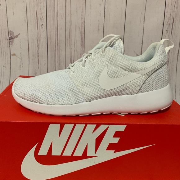 Nike Roshe One 511881 112 Triple White Mesh size 8 NWT